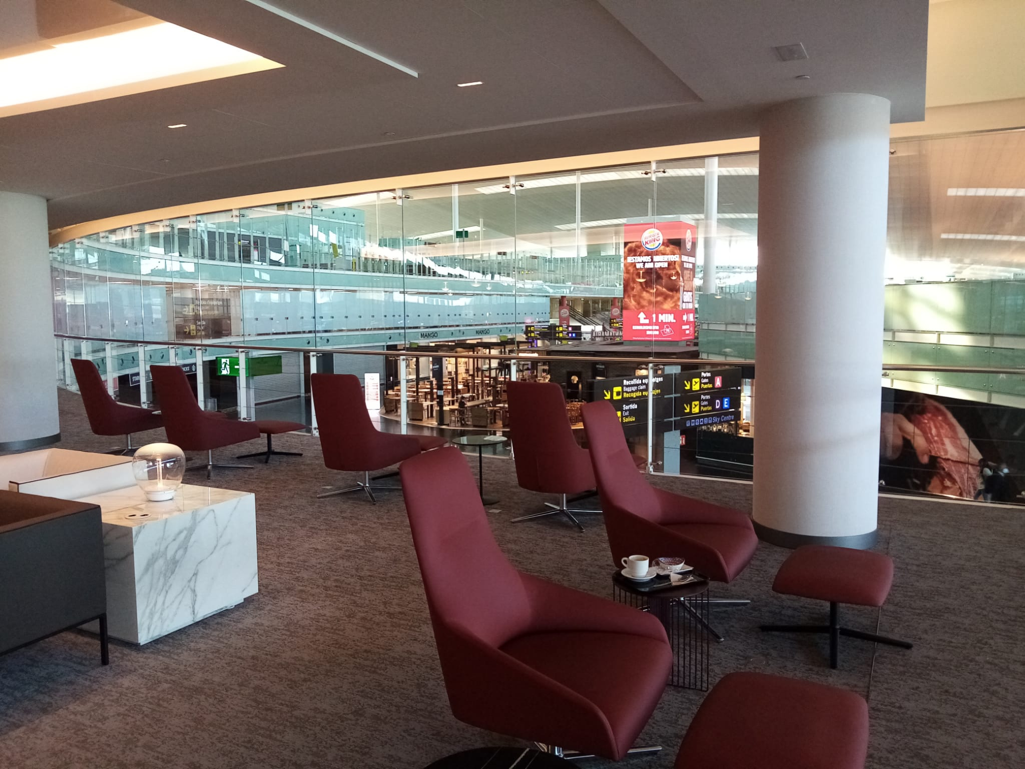 premium traveller air lounges sala vip pau casals