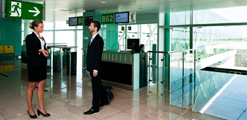 Premium Fast Pass. Meet & Assist i Fast Track. Avoid wasting time from your home to the airport